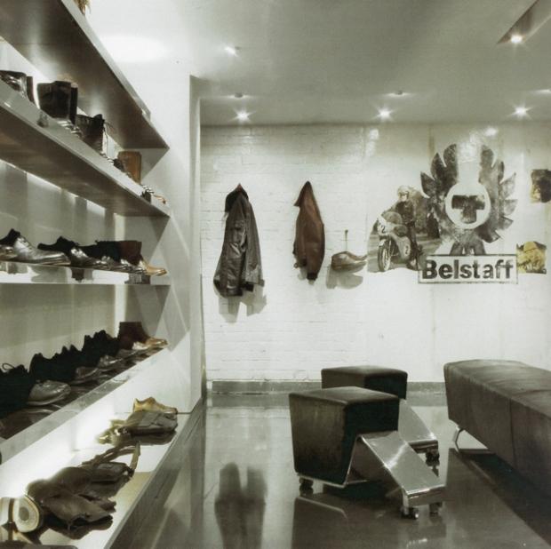 Belstaff flagship store studio luciano bertoncini - Porta carlo alberto treviso ...