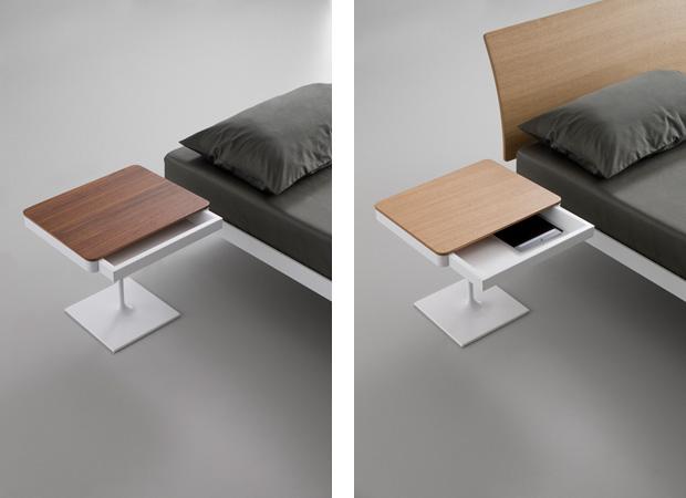 Bedside One con top in legno rovere o noce. Letto Plane con testiera. Design Luciano Bertoncini 2013