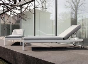 The Planes for Out lettino per esterno design Luciano Bertoncini