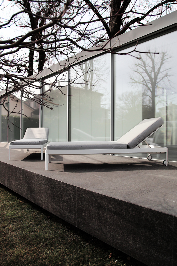 The Planes for Out outdoor daybed designed by Luciano Bertoncini