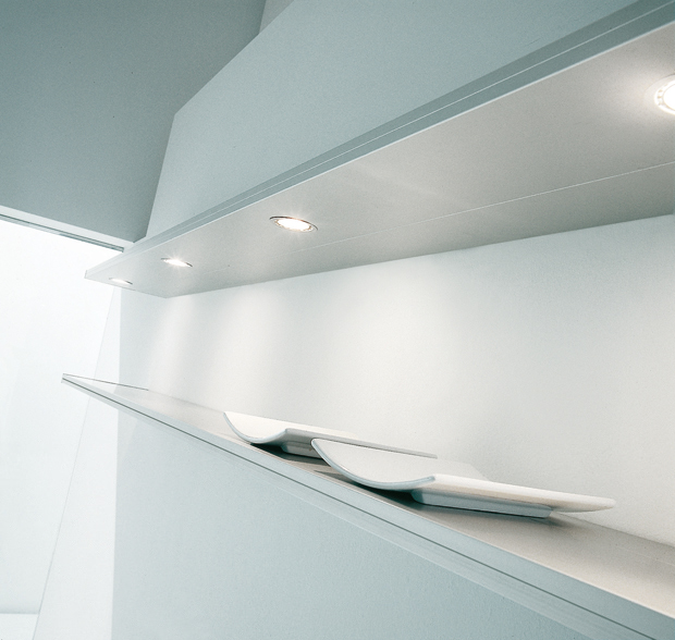 California wall shelves designed by Luciano Bertoncini