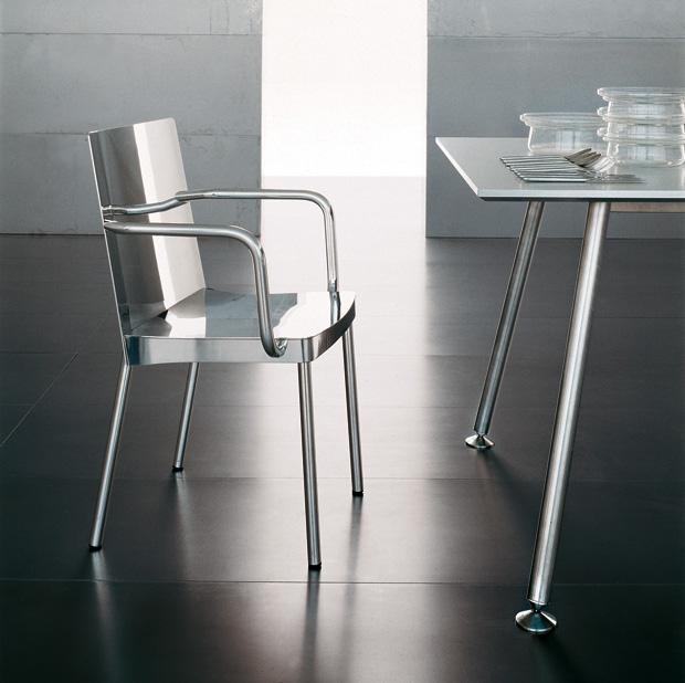 Tri.be.ca sedia in alluminio design Luciano Bertoncini