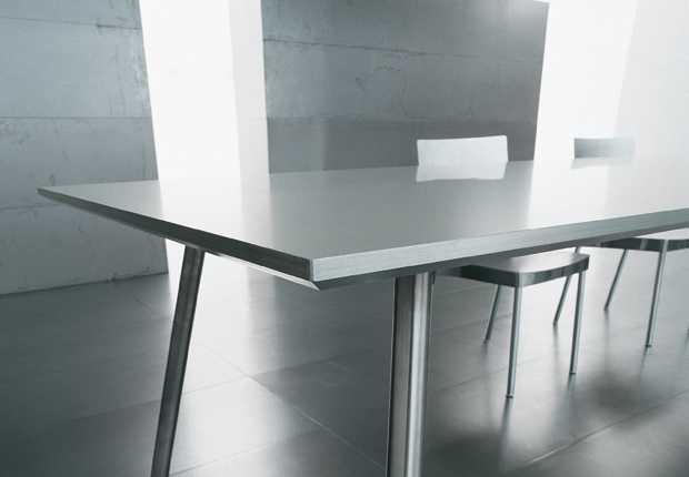 Skipper aluminium table designed by Luciano Bertoncini