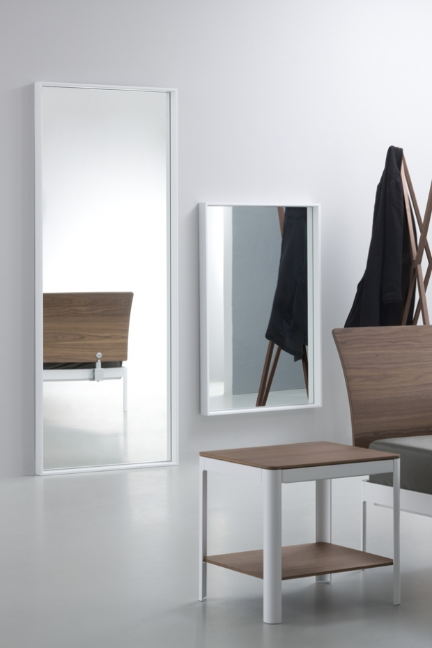 Plane for me. Mirrors with powder-coated aluminium frame. Design by Luciano Bertoncini 2013