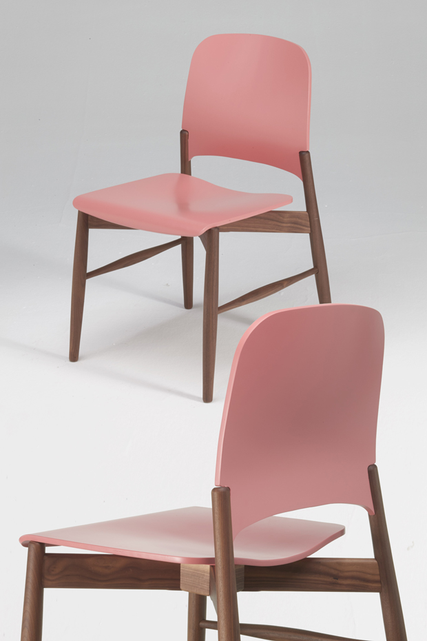 LIPPCHAIR_CA_WALNUT_PINK3014_DETAIL 2_2015PON