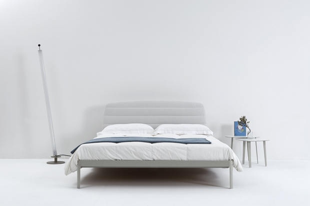 PLANE BED_iC_SILKGREY_UPHWHITE_2015FM