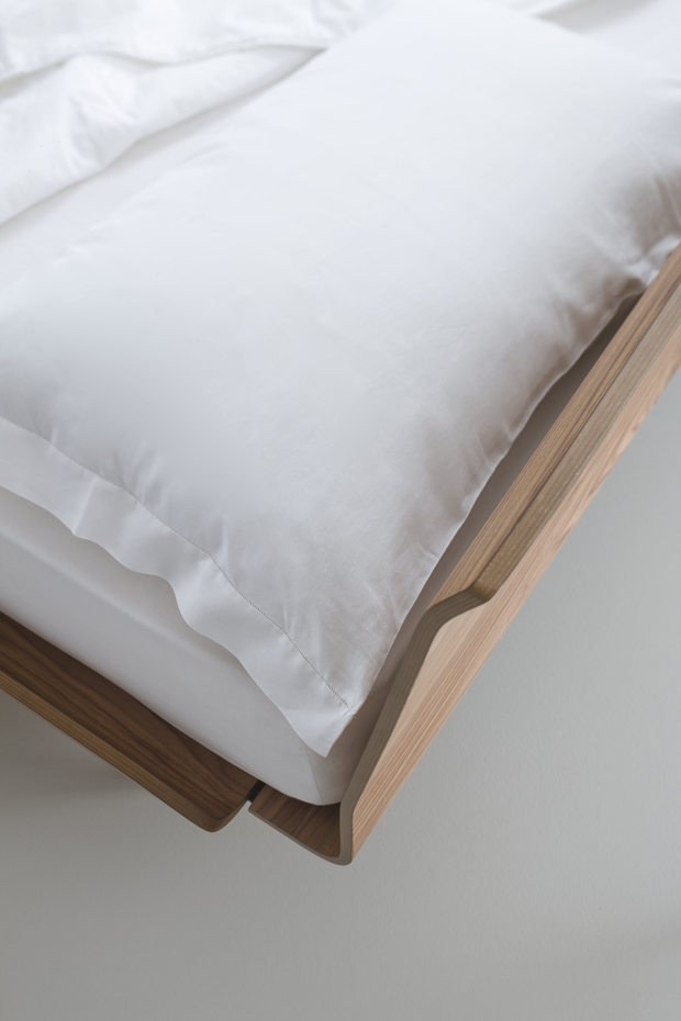 TELEMARK BED_iC_BLACK_WALNUT_DETAIL_2013 PITARI