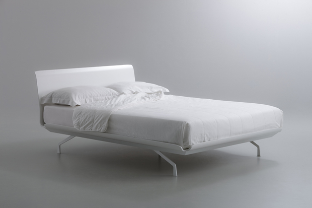 TELEMARK BED_iC_WHITE_LACQUERED WHITE_MATTRESS_2013 PITARI